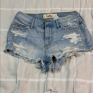 Size 1 Hollister Destroyed shorts
